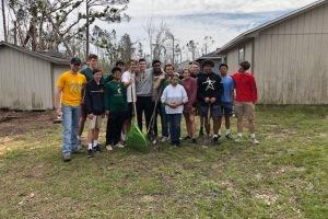 KCHS Baseball team gives back